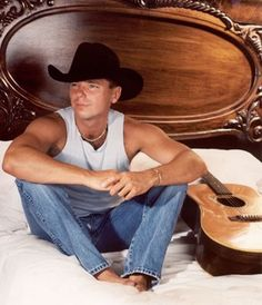 Kenny Chesney,,,seen him quite a few times. Country Music Artists, Country Music Stars, Country Singers, Country Musicians, Kenny Chesney, Country Men, Country Girls, No Shoes Nation, Everything Country
