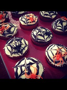 Halloween cupcakes! Do some like this and some with crushed Oreos and gummy worms or eyeballs
