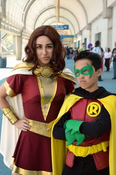 mary_marvel_and_damian_wayne_at_sdcc__14_by_floresfabrications-d8qb16d.jpg (1600×2416)