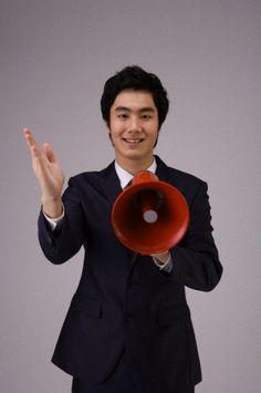 Megáfonos en la expresión oral / aprende a decir órdenes