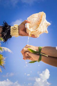 Traditional polynesian wedding in Bora Bora