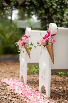 Decor cerimônia ao ar livre - Whimsical Garden Wedding Inspiration Shoot - www.bridalmusings.com