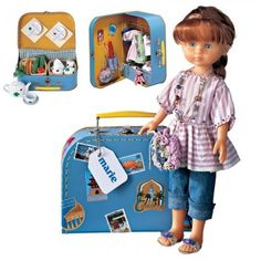 Poupée marie en tenue de voyage avec tunique rayée, jean et valise en carton Marie Claire, Kids And Parenting, Doll Clothes, Knit Crochet, Barbie, Dolls, Sewing, Knitting, Children