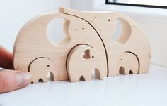 Animal puzzle Wooden elephants family Puzzle Toy Wooden