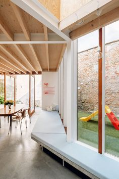 architecten have transformed a row house in Sint-Niklaas, Belgium into a wonderful, light-filled family home - a skilful example of old meets new. Architecture Details, Interior Architecture, Interior And Exterior, Interior Design, Minimalism Living, Wood Interiors, House Extensions, Hospitality Design, Living Spaces