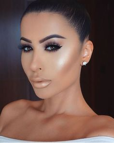 Makeuphall: The Internet`s best makeup, fashion and beauty pics are here. Day Makeup, Makeup Goals, Makeup Tips, Beauty Make-up, Beauty Hacks, Hair Beauty, Make Up Looks, Light Makeup Looks, Queen Makeup
