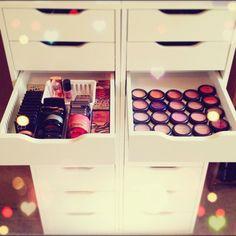 Storage Makeup | Decoration | Vanity Table | Bedroom | Home | Design | Closet | Penteadeira | Quarto