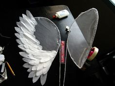 Angel Wings for Costume : 4 Steps - Instructables Angel Wings Costume, Diy Angel Wings, Diy Wings, Cosplay Wings, Halloween Kostüm, Diy Halloween Costumes, Halloween Decorations, Pirate Costumes, Baptism Decorations