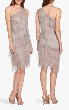 The 50 best 1920s Dresses currently available online. Flapper Girls Dresses 2020. 1920s Style Dresses. New Years Eve Party Dresses 2020. What to wear for a 1920s Party. What to wear for a Great Gatsby Party 2020. Find the perfect Flapper Dress. 1920s Fashion Dresses, 1920s Dress, Modest Fashion, Vintage Fashion, Girls Party Outfits, Party Dresses, Girls Dresses, Ball Dresses, Roaring 20s Outfits