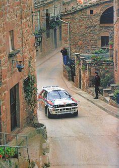 Lancia Delta HF Integrale - 1992 Rallye Catalunya-Costa Brava (a su paso por Rajadell) - Juha Kankkunen y Juha Piironen