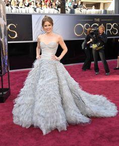 Vestidos dos Óscares 2013. #casamento #vestidodenoiva #cinza