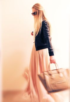 Simply adore! (Maxi skirt and Celine luggage)    Source (the look): http://bycelina.com/ootd/i/