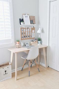 Create a simple desk space at home Have you been thinking ab. Check more at arbeitsplatz. Create a simple desk space at home Have you been thinking ab… Home Office Design, Home Office Decor, Home Decor, Office Ideas, Decor Room, Wall Decor, Ikea Office, Office Rug, Office Setup