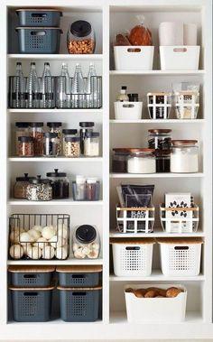 Kitchen Organization Pantry, Home Organisation, Organization Ideas, Organized Pantry, Kitchen Pantry, Home Storage Ideas, Kitchen Small, Kitchen Hacks, Open Pantry