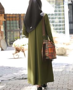 Abaya Fashion, Muslim Fashion, Modest Fashion, Hijab Casual, Hijab Chic, Hijab Style Dress, Hijab Outfit, Conservative Outfits, Modele Hijab