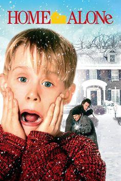 Home Alone (1990) Kevin McCallister yang berusia delapan tahun membuat sebagian besar situasi setelah keluarganya tanpa disadari meninggalkannya saat mereka berlibur Natal. Tapi ketika sepasang pencuri yang ceroboh mengarahkan pandangan mereka ke rumah Kevin, anak yang kukuh itu siap mempertahankan wilayahnya. Dengan menanamkan jebakan bebatuan yang berlimpah, Kevin yang nakal nakal berdiri tegak saat ibunya yang panik mencoba untuk balapan di rumah sebelumnya.