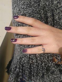 Purple shellac mani