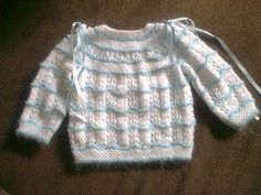 This Pin was discovered by Pit Baby Knitting Patterns, Baby Patterns, Crochet Baby, Knit Crochet, Baby Feet, Baby Sweaters, Baby Booties, Baby Wearing, Clothes