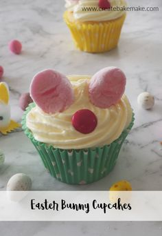 How to make Easter Bunny Cupcakes. These cupcakes make a great kids Easter activity and both regular and Thermomix instructions are included. Easter Recipes To Make, Fun Easy Recipes, Easy Meals, Easter Bunny Cupcakes, Desserts With Biscuits, Thermomix Desserts, Creative Desserts, Easter Chocolate, Savoury Cake