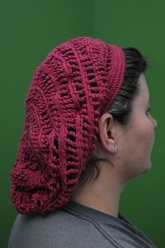 Naalbinding snood by kitaye on Ravelry. Made with Mammen stitch and twisted loops between the rows to create the netting