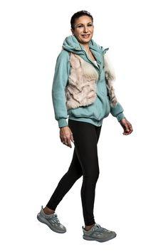 Namsan Cyan Women - Der kyBoot hat die erste Sohle der Welt, die den Fuß jede Feinheit des Bodens ertasten lässt. Ihre Fußrezeptoren werden Schritt für Schritt sanft stimuliert. Auf Kies oder Kopfsteinpflaster kommt diese Weltneuheit am besten zur Geltung. Ab ($340) gibt es verschiedene Modell für Männer und Frauen in den Schuhgrößen von 34 1/3 - 49.