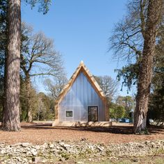 Invisible Studio uses only felled tree specimens for arboretum buildings in Gloucestershire