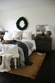 Simple cozy christmas bedroom - It doesn't have to be complicated to be beautiful for the holidays! #house #home #design