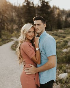 A few more favorites from Hannah Jaxons engagement session Photo Poses For Couples, Couple Photoshoot Poses, Couple Picture Poses, Engagement Photo Outfits, Couple Photography Poses, Photo Couple, Engagement Photo Inspiration, Couple Posing, Engagement Couple