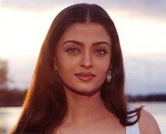 Aishwarya Rai Young, Aishwarya Rai Photo, Actress Aishwarya Rai, Aishwarya Rai Bachchan, Bollywood Actress, Most Beautiful Eyes, World Most Beautiful Woman, Vintage Bollywood, Bollywood Girls