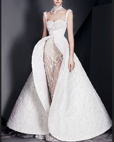 Wearing a beautiful white gown http://gelinshop.com/ipost/1518138649261454754/?code=BURgw7dBTWi