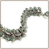 spiked spiral bracelet designed by Lisa Niven Kelly from Beaducation