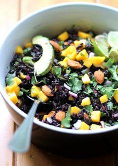 speise schwarzer reis mango avokado nüsse kombinieren