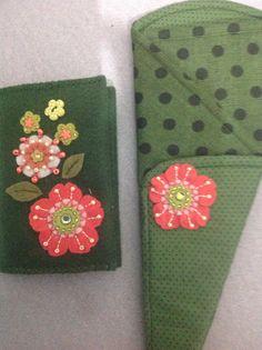 Porta tesouras e porta agulhas com aplicações de feltro e bordados