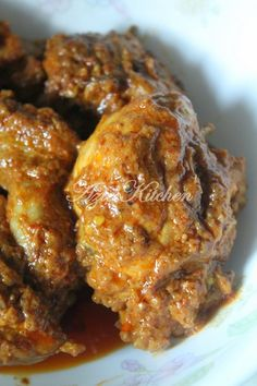 Ayam masak rendang to be tried Malaysian Cuisine, Malaysian Food, Malaysian Curry, Malaysian Recipes, Chicken And Beef Recipe, Chicken Recipes, Chinese Yum Yum, Kitchen Recipes, Cooking Recipes