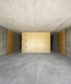 Image 41 of 41 from gallery of House in Lisbon / ARX Portugal. Photograph by ARX Portugal Arquitectos Space Architecture, Architecture Details, Building Architecture, Interior And Exterior, Interior Design, Interior Walls, Windows And Doors, Townhouse, Contemporary