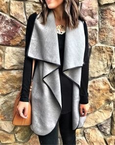 Simple Summer to Spring Outfits to Try in 2019 – Prettyinso Fall Winter Outfits, Winter Dresses, Autumn Winter Fashion, Dress Winter, Winter Style, Fashion Mode, Modest Fashion, Fashion Outfits, Fashion Vest