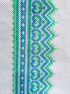 Green & Blue tone Cross Stitch Borders, Cross Stitch Designs, Cross Stitching, Cross Stitch Patterns, Wool Embroidery, Hand Embroidery Stitches, Cross Stitch Embroidery, Swedish Weaving Patterns, Bohemian Wall Decor