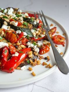 Low Unwanted Fat Cooking For Weightloss Roasted Vegetables, Feta and Grains Roasted Vegetables, Creamy Feta Cheese, Wholegrains And Pine Nuts Are Combined To Make This Healthy, One Pan Recipe. Veggie Recipes, Salad Recipes, Vegetarian Recipes, Cooking Recipes, Healthy Recipes, Cooking Ribs, Recipes With Feta Cheese, Lunch Recipes, Greek Food Recipes