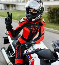 Beautiful Girls With Cars and Motorcycles - Bellas Mujeres Con Coches y Motos - Girls Washing Cars - Cars - Coches - Bikes - Motos Motorbike Girl, Motorcycle Gear, Motorcycle Girls, Lady Biker, Biker Girl, Motorbikes Women, Up Auto, Chicks On Bikes, Ducati Monster