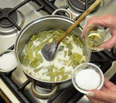 Bešamelové pohlazení aneb fazolové lusky po sedmihradsku Fondue, Cheese, Ethnic Recipes, Tv, Television Set, Television