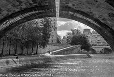 Going under Pont Neuf - 9844