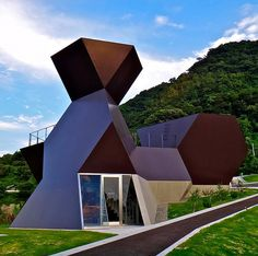 On the Island of Omishima, Japanese architect Toyo Ito has completed the Toyo Ito Architecture Museum, the first museum in Japan dedicated to the work of an individual architect! The angular structure is sculpted to mimic the deck of a ship as it sits on a seaside ledge overlooking Seto Inland Sea.