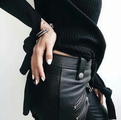 Glam Black