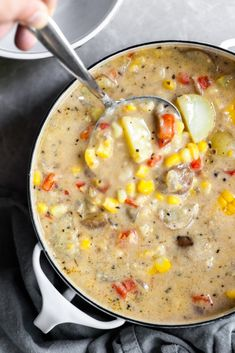An quick & healthy chowder filled with corn and buttery baby potatoes, and is unassumingly vegan and gluten-free! Made in one pot (or an Instant Pot! Vegan Corn Chowder, Vegan Potato Soup, Potato Corn Chowder, Vegan Soups, Vegan Dishes, Gluten Free Corn Chowder Recipe, Vegan Chowder Recipes, Vegan Stew, Soup Recipes