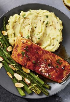 Lemon-Butter Trout - Easy gourmet seafood recipe with asparagus amandine and horseradish potato mash Trout Recipes, Salmon Recipes, Seafood Recipes, Cooking Recipes, Gourmet Recipes, Gourmet Meals, Healthy Snacks, Healthy Eating, Healthy Recipes
