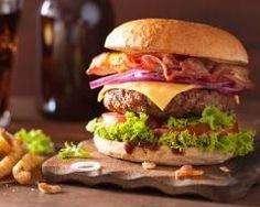 Burger au bacon et au cheddar : http://www.cuisineaz.com/recettes/burger-au-bacon-et-au-cheddar-87196.aspx