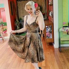 How darling is poppycherry in the leopard L'Amour Dress?!