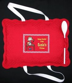 Placements turned into a casserole carrier DIY ... http://janaysquilts.blogspot.com/2009/04/happy-birthday-ms-susie.html#