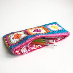 "maRRose - CCC --- ""Bobble Granny Square"" crochet pouch plus zippered lining, free patterns&tutorials"