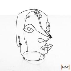 Risultati immagini per alexander calder wire sculpture portraits Blind Drawing, Wire Drawing, Alexander Calder, Minimalist Drawing, Minimalist Art, Sculpture Projects, Sculpture Art, Sculpture Portrait, Wire Sculptures